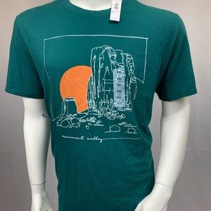 NWT Old navy monument valley T-shirt